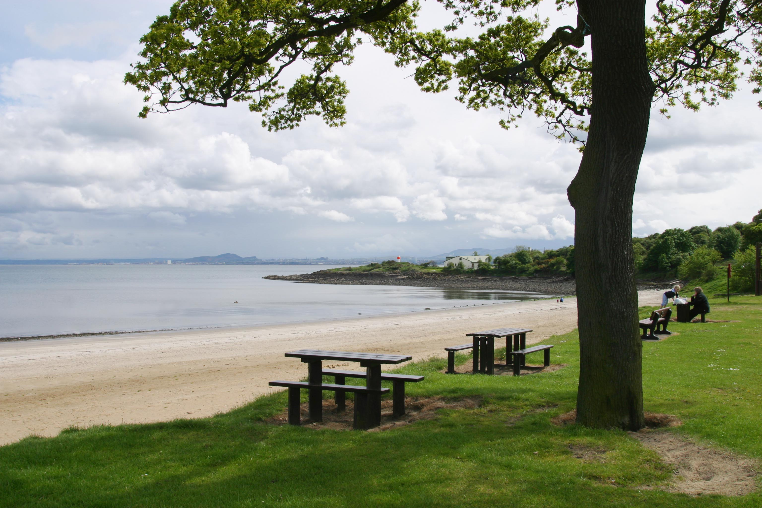 silver sands beach, aberdour